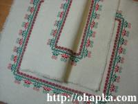Красно-зеленые салфетки (две сложенные)